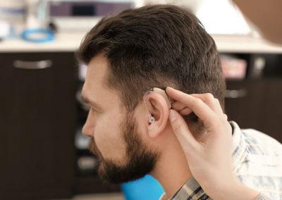 Come funziona un apparecchio acustico